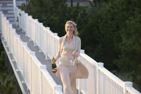 Jasmine French (Blue Jasmine), red. Woody Allen