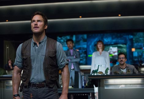 Jurski svijet (Jurassic World), red. Colin Trevorrow