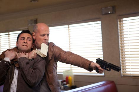 Looper, red. Rian Johnson