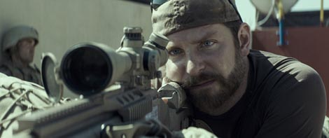 Snajperist (American Sniper), red. Clint Eastwood